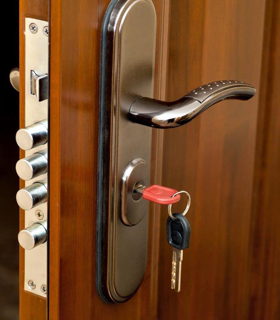 Locksmith Providing Services